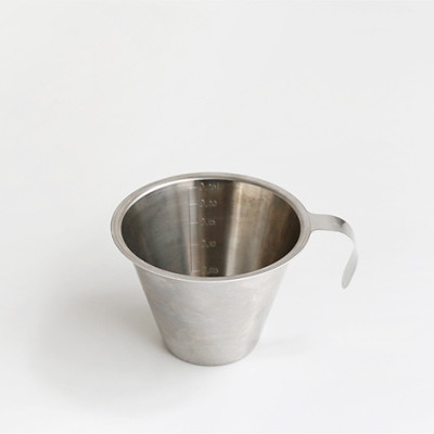 Measuring jug w/o foot, open handle 0.25l