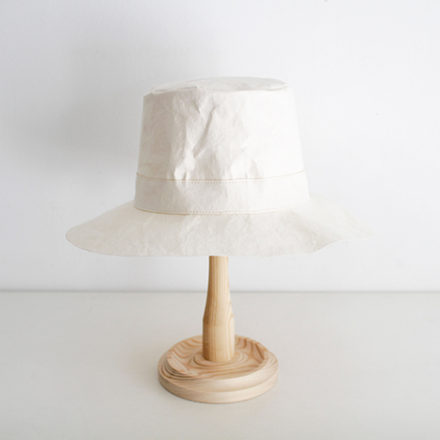 Traveller Big Paper Hat<br>- washable ecru