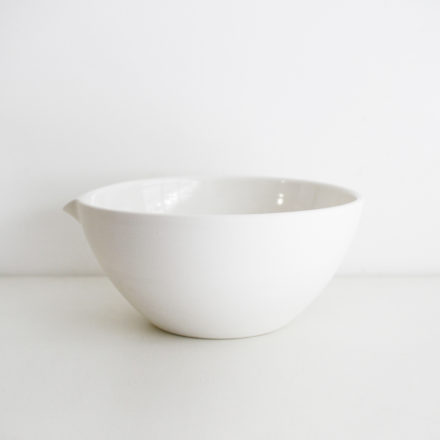 Mixing Bowl (Pouring)<br>Medium 25cm