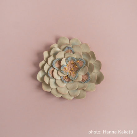 Ceramic flowers - Helmilumme
