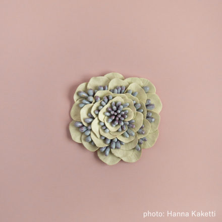 Ceramic flowers - Syreeni